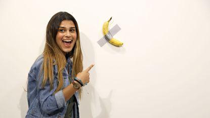 Vastgeplakte banaan levert meer dan 100.000 euro op