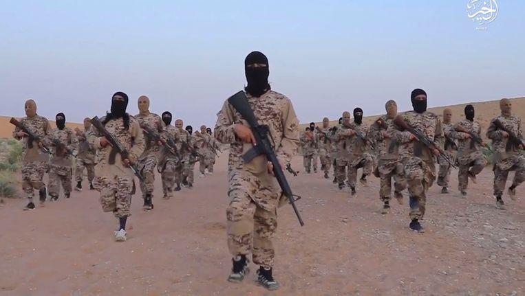 Archiefbeeld van IS-strijders in Deir ez-Zor.