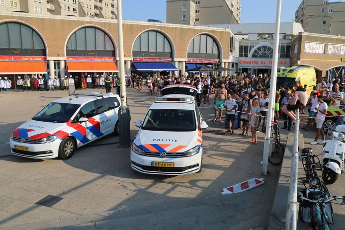 Een man (19) uit Rotterdam overleed deze zomer na een steekpartij op De Pier in Scheveningen.