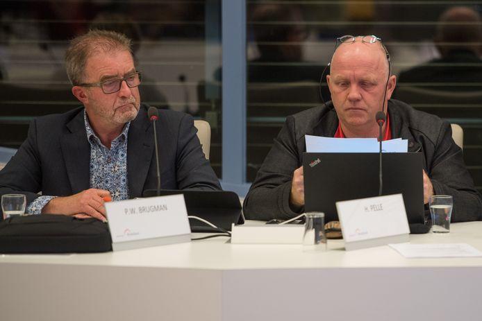 Hans Pelle (rechts) komt met veel voorkeurstemmen opnieuw voor de PvdA in de Berkellandse gemeenteraad. Hij verstoot de huidige fractieleider Peter Brugman (links) daarmee uit de lokale politiek.