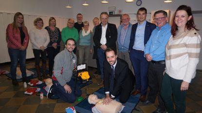 Stad investeert in extra AED-toestellen en opleidingen