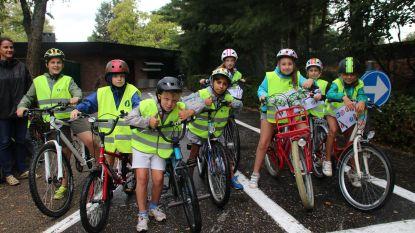 Kinderen op verkeerskamp bij politie