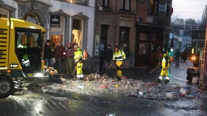 """CARNAVAL HALLE: Grote schoonmaak in centrum na drie dagen feest vieren: """"Al minder plastic op de markt, maar herbruikbare bekers zouden groot verschil maken"""""""