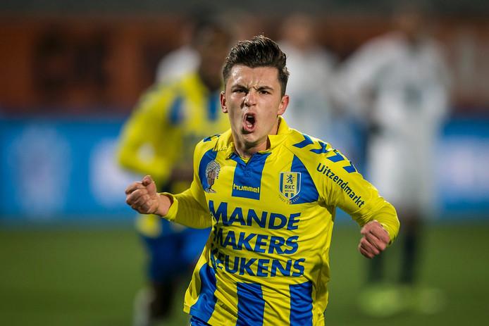 Jonathan Kindermans na een doelpunt voor RKC Waalwijk.