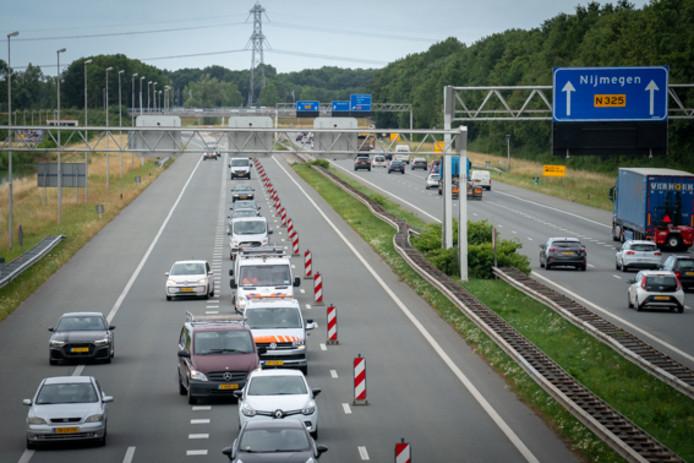 File tussen Nijmegen en Arnhem door de afsluiting van de Pleyroute.