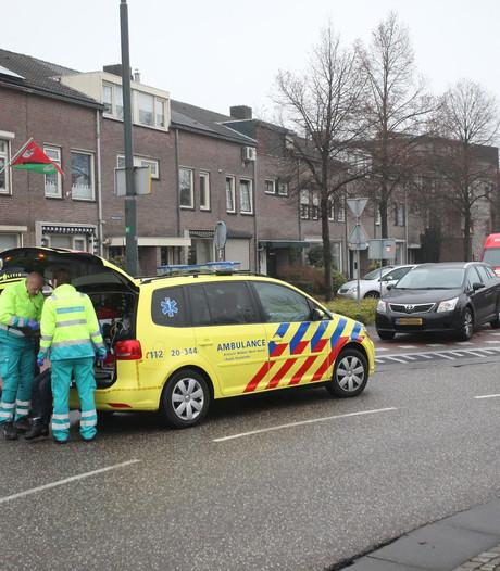 Fietsster gewond na aanrijding op Raadhuisplein in Rijen
