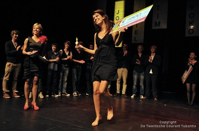 Jolien Leussink won de Cultuurprijs Geert Christenhusz in 2011. Inmiddels is ze theaterdocente in Oldenzaal.