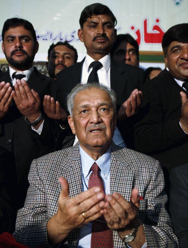 De vader van de Pakistaanse kernbom, Abdul Qadeer Khan.