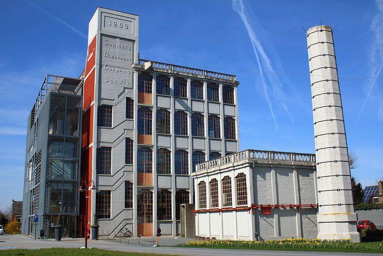 Zottegem streeft naar een minimaal energieverbruik in zijn gebouwen, zoals in administratief centrum Sanitary.