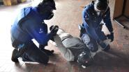 "VIDEO. ""Politie! Wapen neer!"" Federale politie traint agenten op oude site Sunnyland"