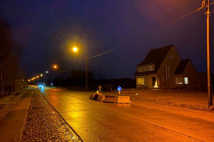 In de Gentsestraat op de grens van Zonnegem met Burst werden met waterbakken vier wegversmallingen aangebracht.