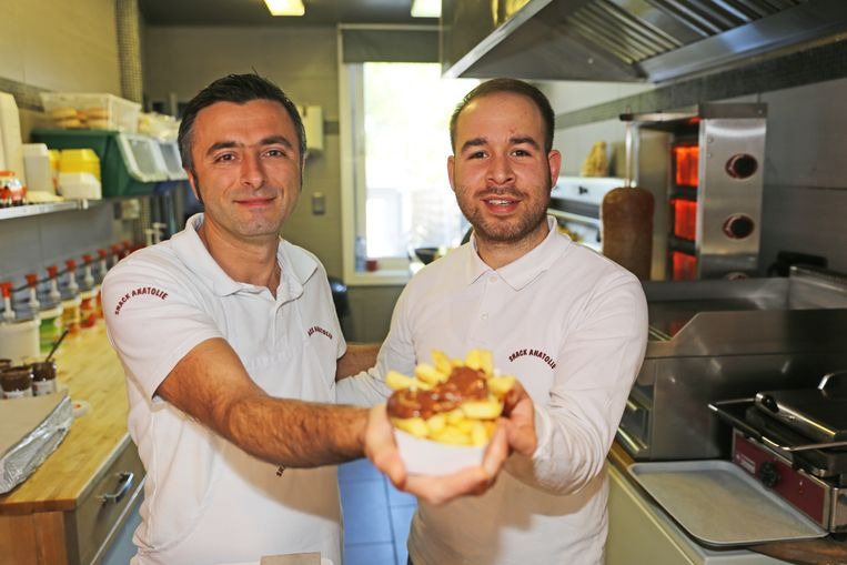 Kerem en Erdinc lanceren een nieuwigheid: friet met Nutella.