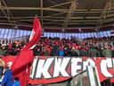 1.100 FC Twente-fans trotseren de extreme kou in Alkmaar