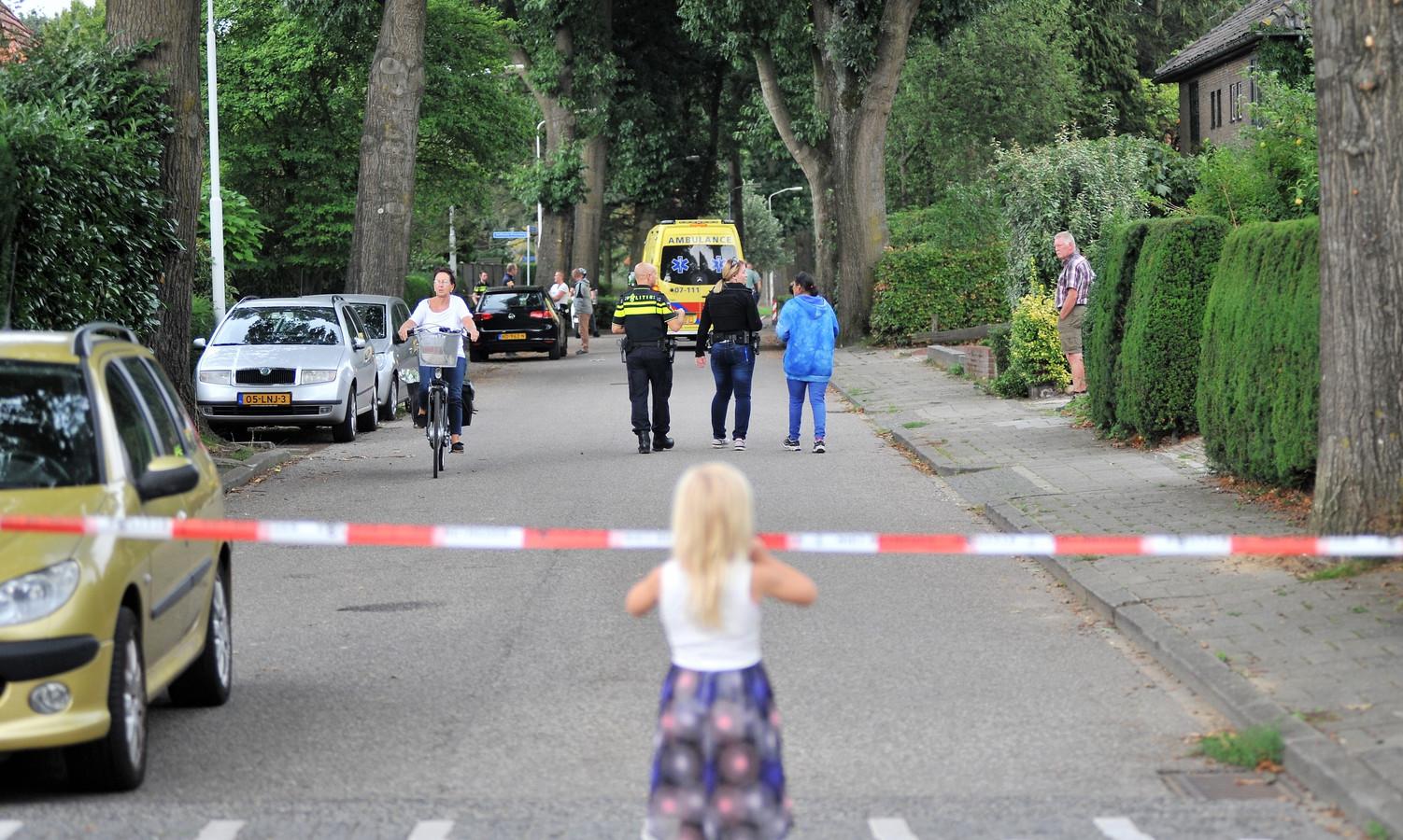 Politie op de been voor mogelijke gijzeling in Arnhem.