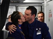 Paus trouwt Chileens koppel in het vliegtuig