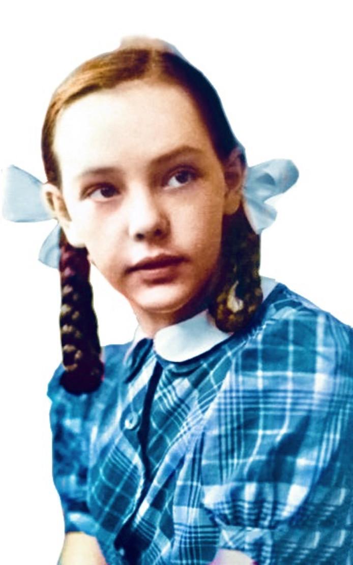 Bewerkte foto van Marie-Jes van Ierlant op 12-jarige leeftijd.