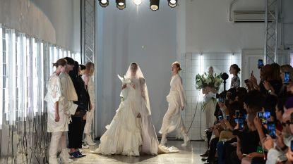A.F. Vandevorst stuurt de meest prachtige trouwjurken de catwalk op