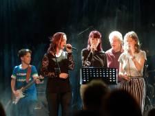 Stoomcursus popster tijdens Pop Challenge in Gebouw-T Bergen op Zoom