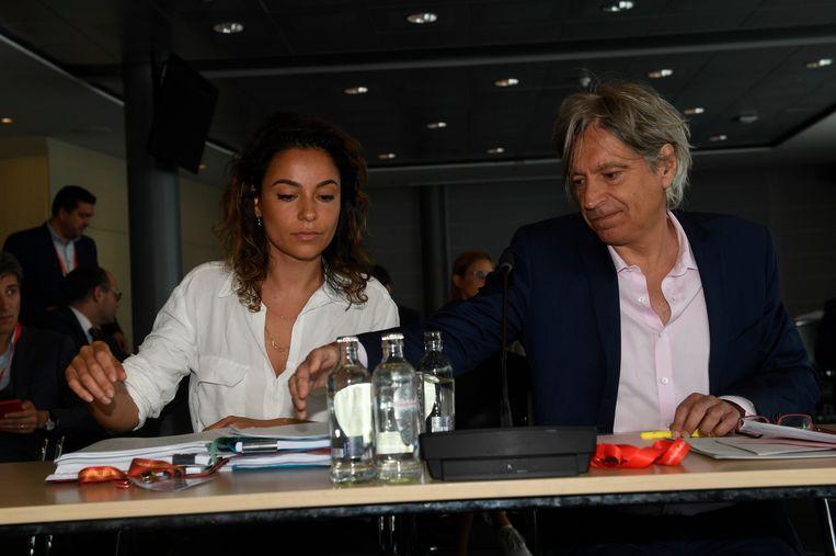 Walter Van Steenbrugge met zijn assistente.
