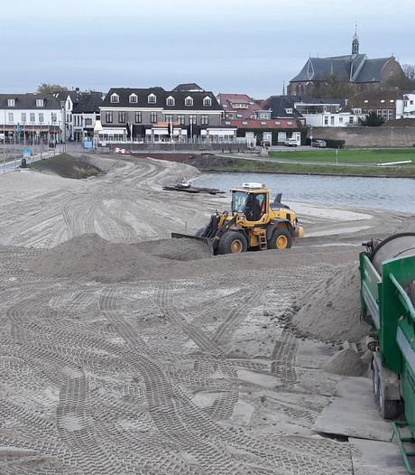 Schoon zand voor het Strandeiland in Harderwijk