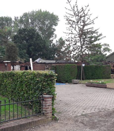 Asbest vrijgekomen bij brand in historische boerderij in Zutphen