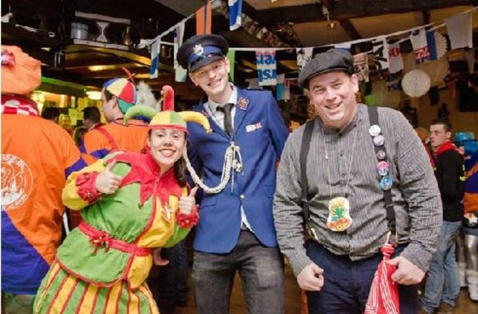 Nar Imke (Imke Knuit), Jan Keller (Nacho de Jong) en Boer Joene (Jeroen Smits) op het Jan Kellerbal. Prins Ruud kon er wegens ziekte niet bij zijn.