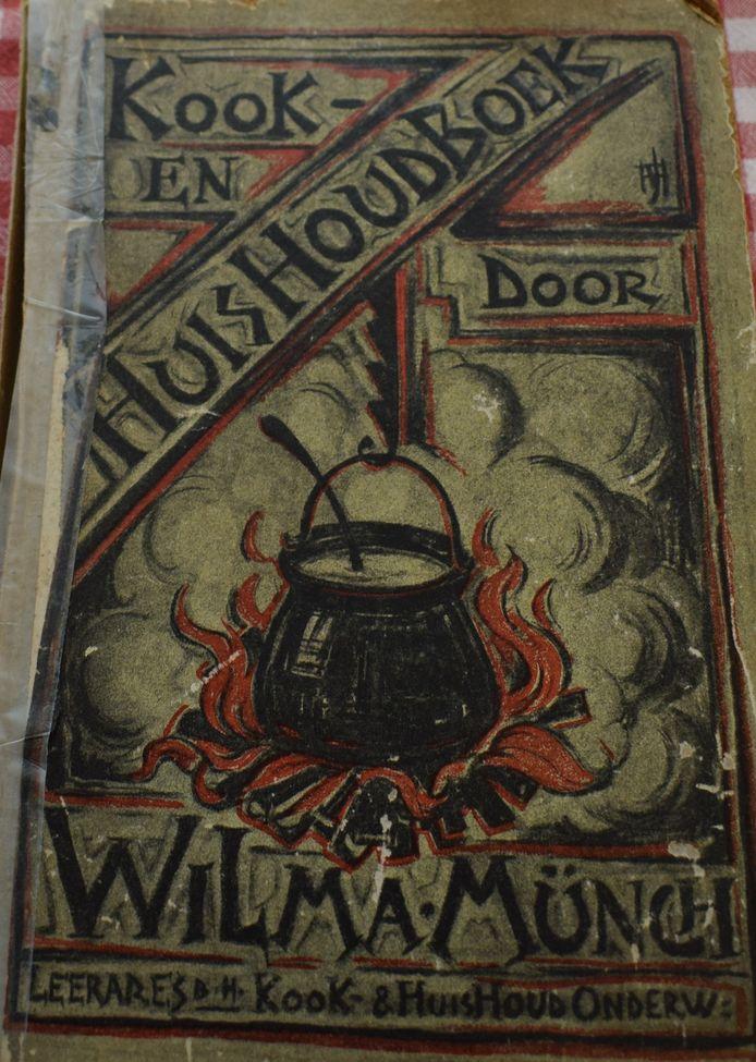 Het koekboek van Wilma Münch, vierde editie uit 1943.