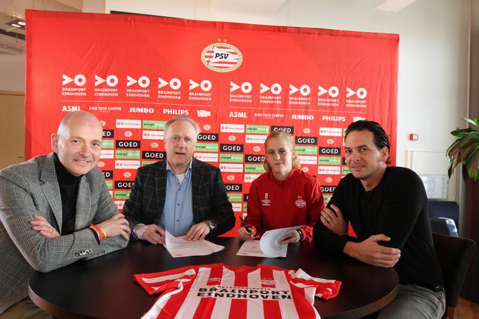 De speelsters van PSV beschikken vanaf volgend seizoen over een op maat gemaakte CAO.