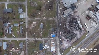 Dronebeelden tonen ravage nadat Amerikaanse staat getroffen wordt door tientallen tornado's