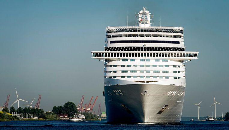 Aankomst grootste cruiseschip ooit in Amsterdam Beeld ANP