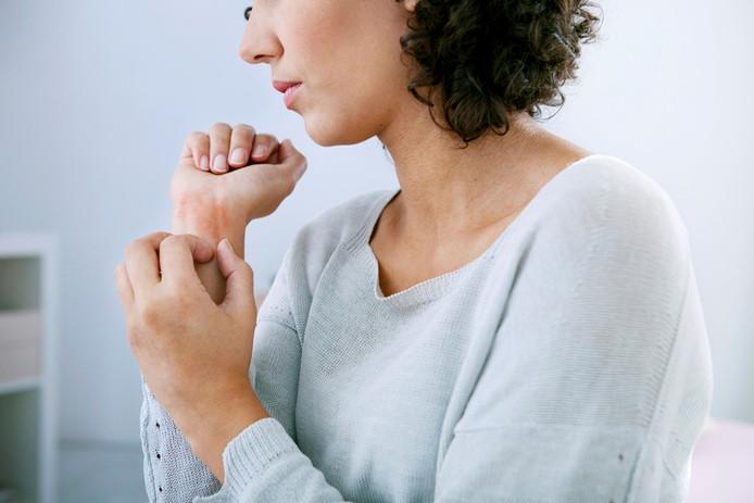 Les peaux fragilisées par l'eczéma nécessitent des soins spécifiques