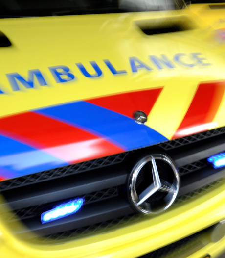 Twee doden en zwaargewonde bij frontale botsing in Drenthe