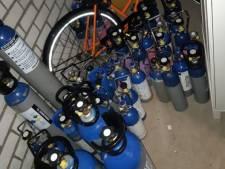 Ruim 50 flessen lachgas in beslag genomen in Tilburg, eigenaar had binnenkort een feestje