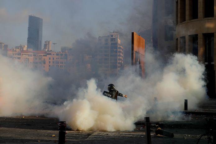 Policier courant lors des heurts, samedi, à Beyrouth