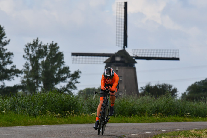 Shirin van Anrooij tijdens het EK tijdrijden in Alkmaar.