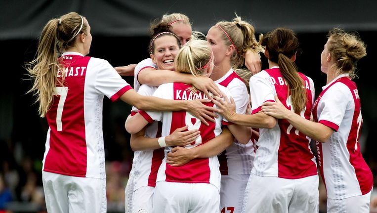 De vrouwen van Ajax Beeld anp