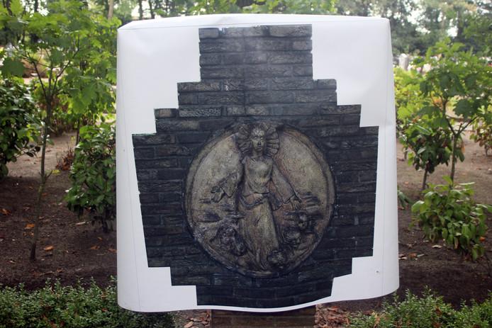 De herstelde monumentjes worden op allerlei manieren beschermd tegen nieuwe beschadigingen.  Speciaal voor de wintertijd zijn al hoezen gemaakt die de invloed van nattigheid en vorst zo veel mogelijk moeten tegen gaan.