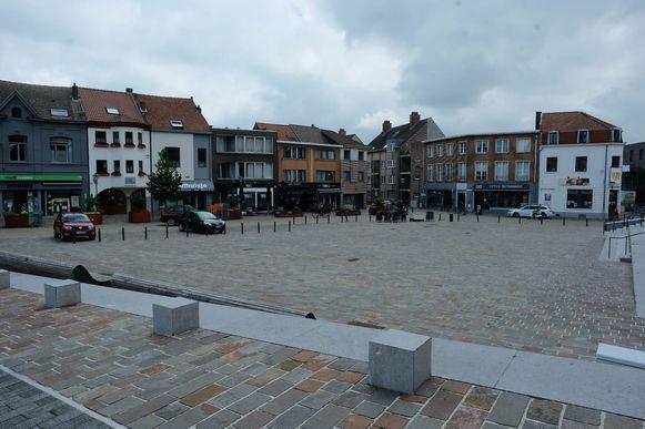 Het Gemeenteplein in Hoeilaart wordt elk weekend autovrij gemaakt tussen Domino en het kruispunt met de J. Denayerstraat.