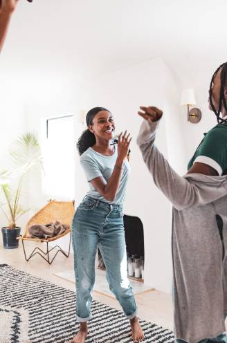 Feestje in de woonkamer: 10 apps om op vrolijke wijze een dans onder de knie te krijgen, van samba tot ballet