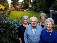 Zonnebloem Geldrop 50 jaar: 'Een zonnebloem-uitje was naar de V&D'