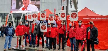 """Vakbond ABVV betoogt op Mediaplein: """"We eisen overleg voor hogere uitkeringen"""""""
