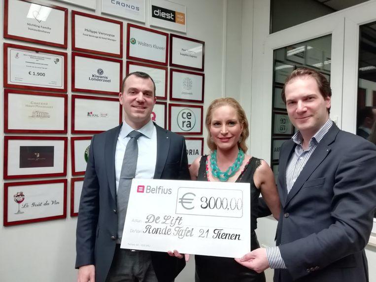 Voorzitter Cedric Honorez, Katrien Beelen en vicevoorzitter Wim Piot.
