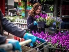 Krijtvakken bij Kippie en handschoentjes in het tuincentrum: 'Wennen aan die anderhalve meter'