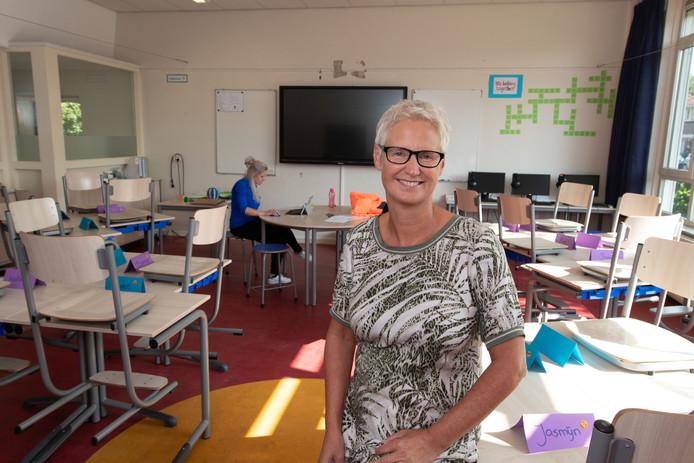Monique den Dekker is directeur van De Floreant. De nieuwe naam is een gevolg van de fusie tussen twee scholen in Luttelgeest.