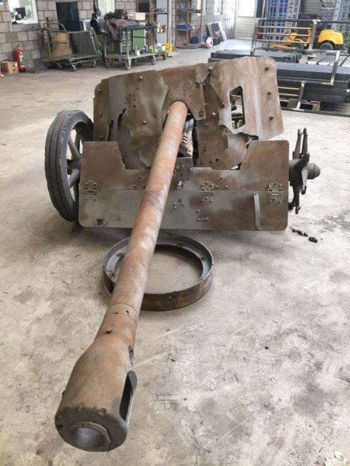 Het kanon vlak voor de restauratie.
