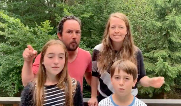 Deze familie uit Kapellen plaatste een filmpje op Facebook om hun huis aan de man te brengen.
