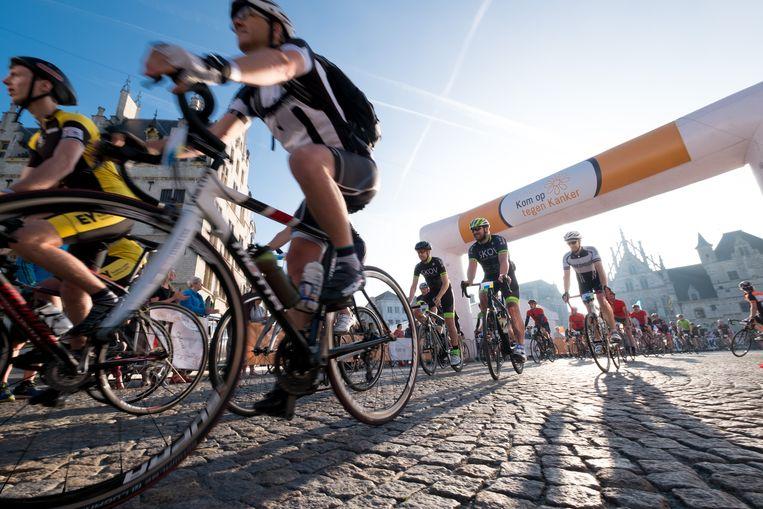 Archiefbeeld van de start van de 1000km voor Kom Op Tegen Kanker.