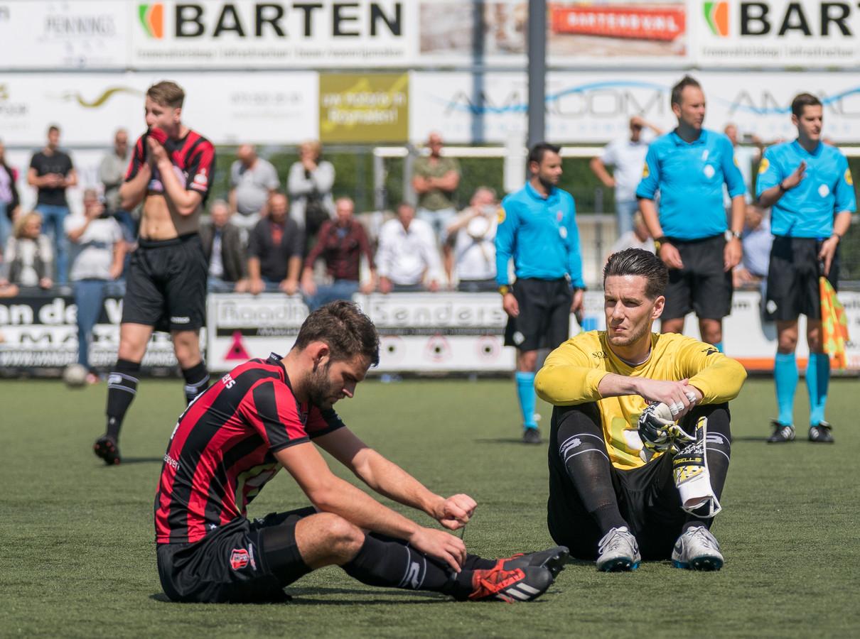 OJC - Rosmalen - Hoogland. Gedegradeerd met keeper Bart Tinus en Melvin van Gestel.