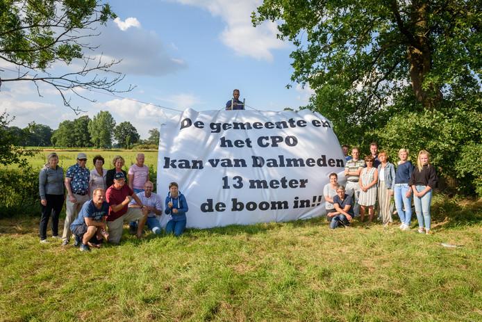 HENGELO - 20180710 - Villabewoners Dalmeden maken groot bezwaar tegen een gebouw in de vorm van een massale Franse boerenhoeve. Editie: HE Foto Christian van der Meij TT20180710