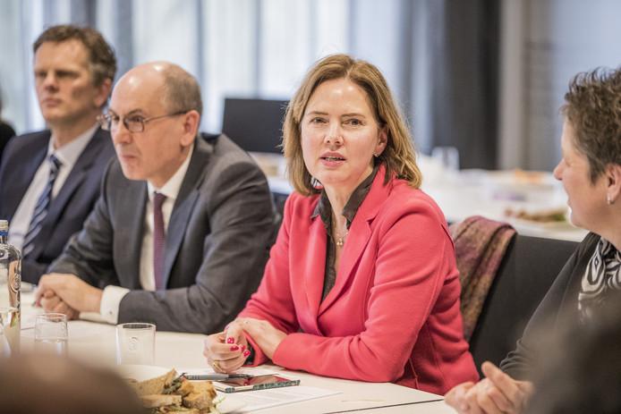Minister Van Nieuwenhuizen was vorige week op bezoek in Deventer.